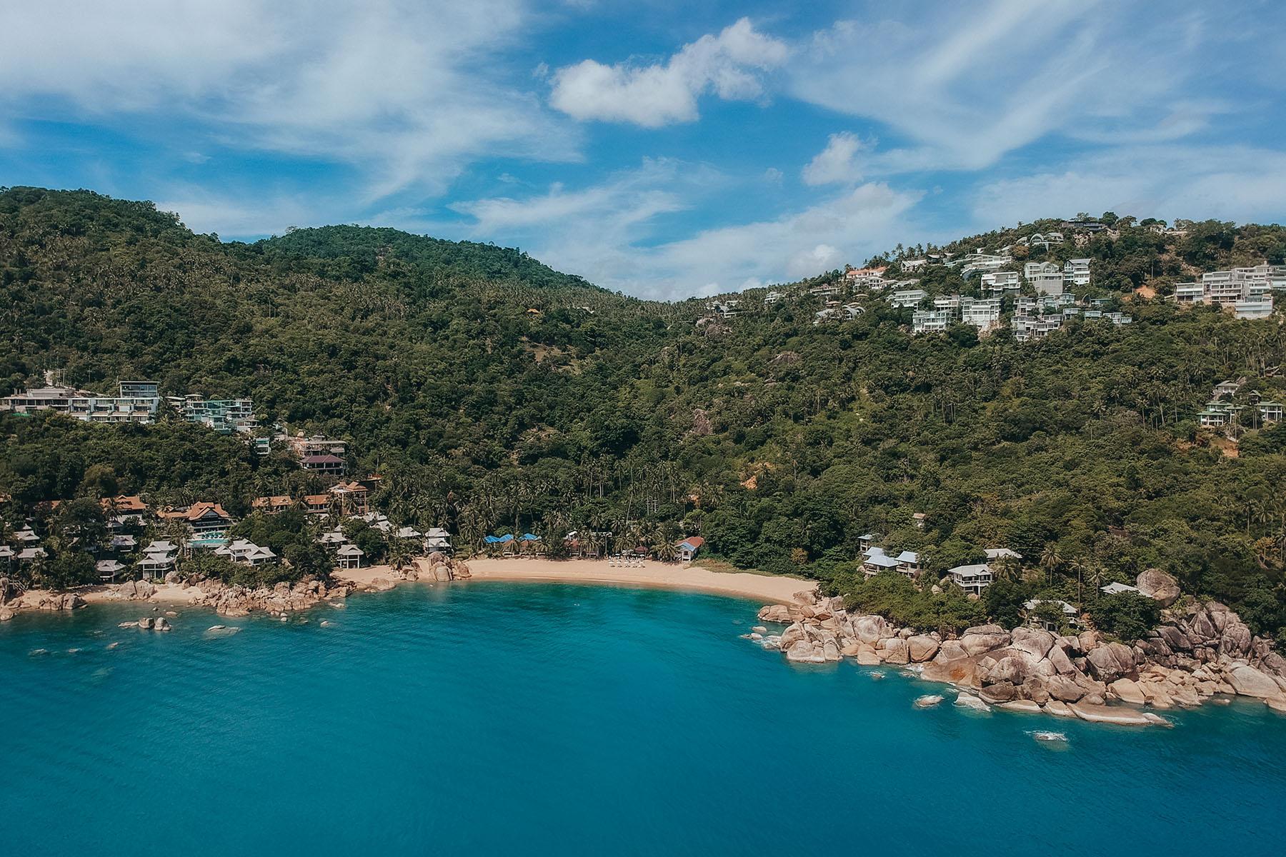 Ansicht Coral Cove Beach Koh Samui von oben. Drohnenaufnahme