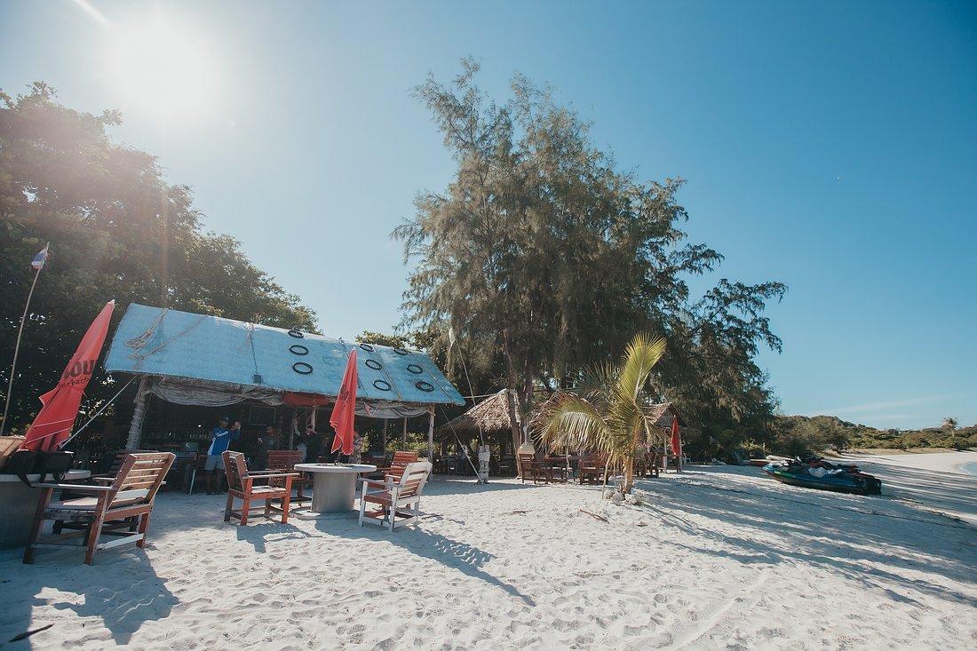 Das Restaurant auf der Insel Koh Madsum