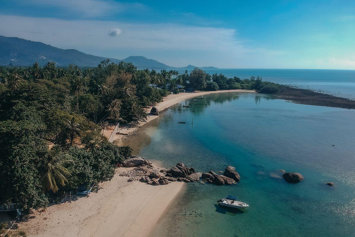 Luftansicht Laem Set Beach Koh Samui Felsen, Bucht Boot