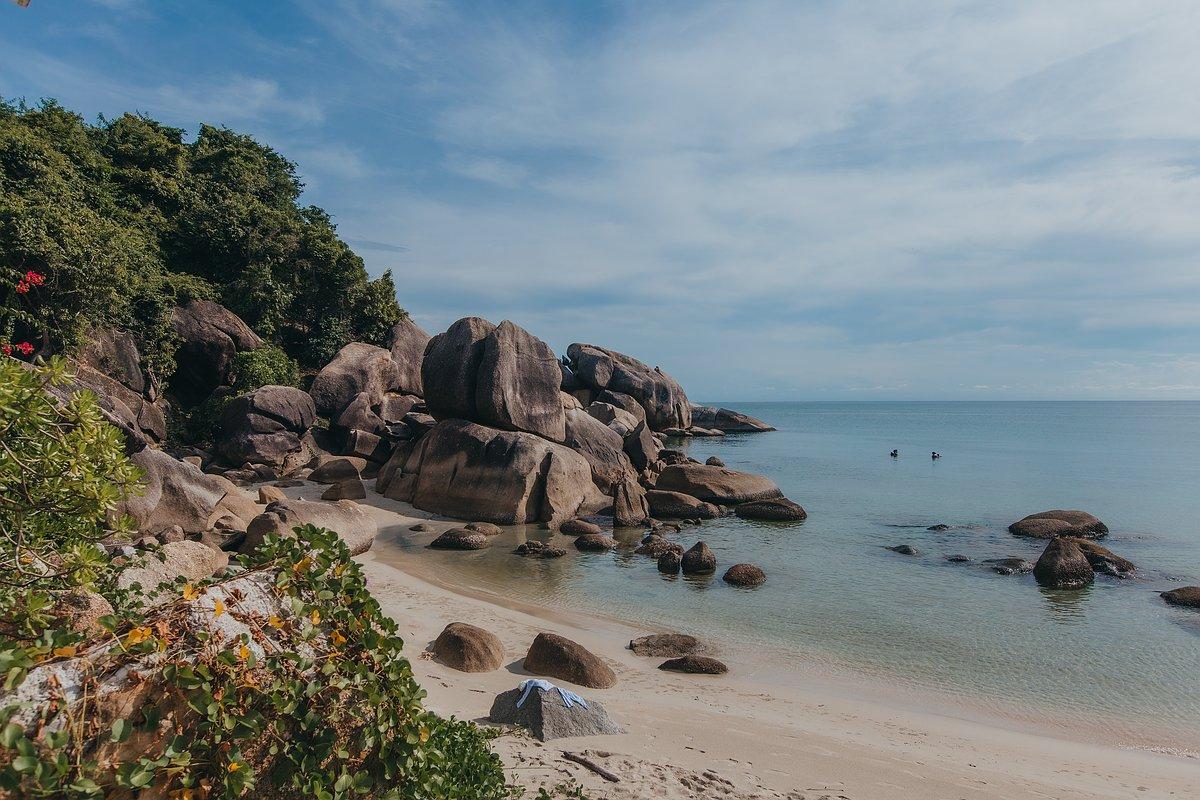 Silver Beach Koh Samui - Ansicht der Bucht mit Felsen