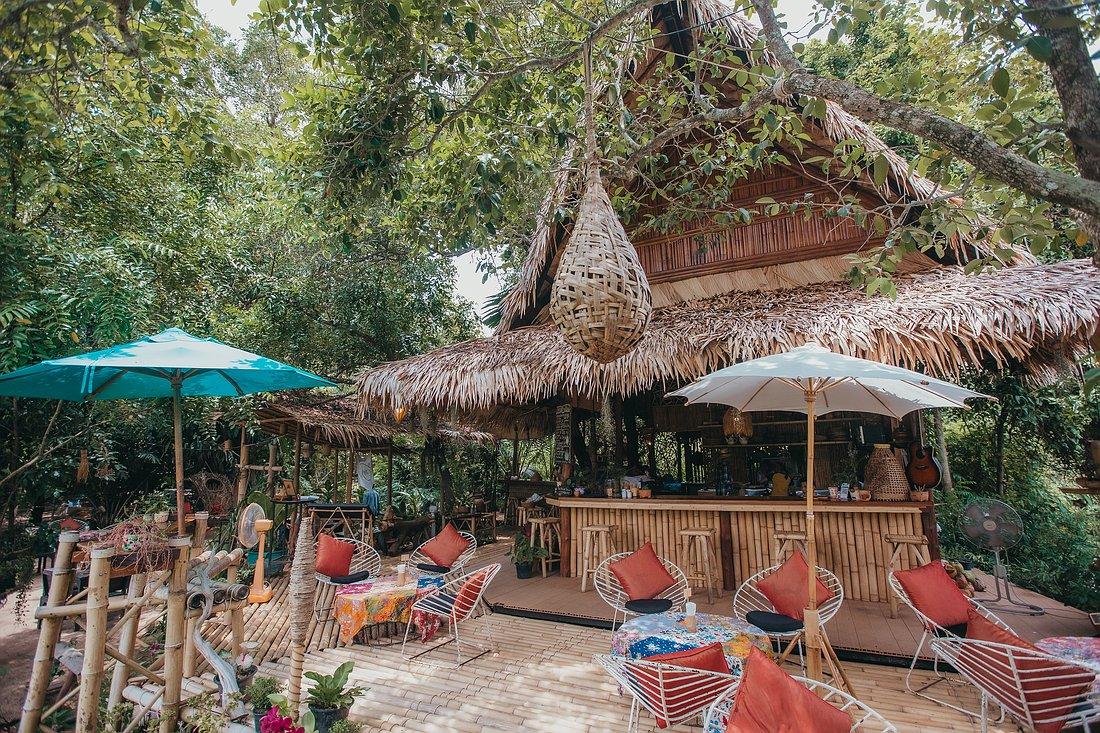 Aussenasicht auf die Bar des The Nature Samui