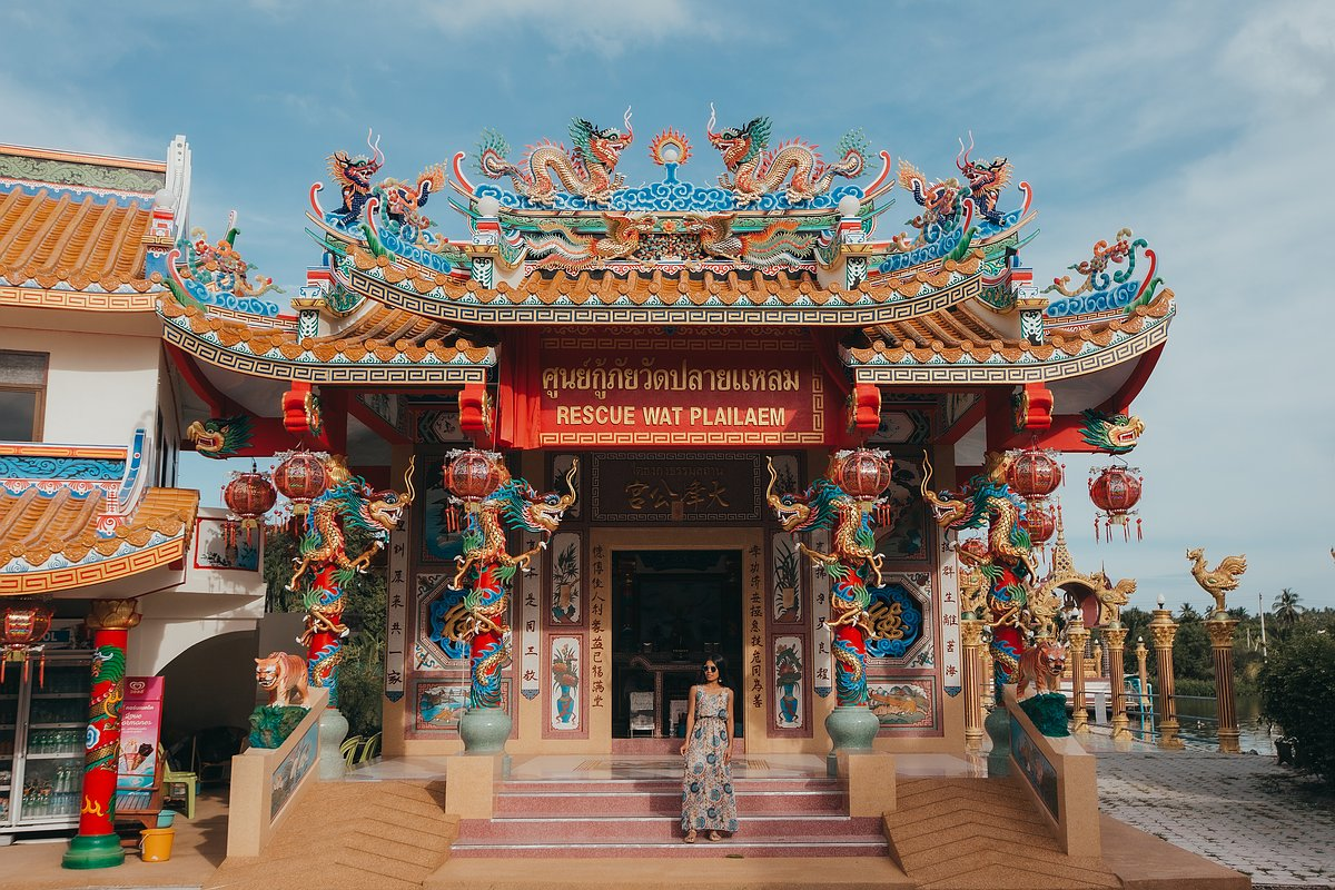 Abbildung eines chinesischen Tempel im Wat Plai Leam