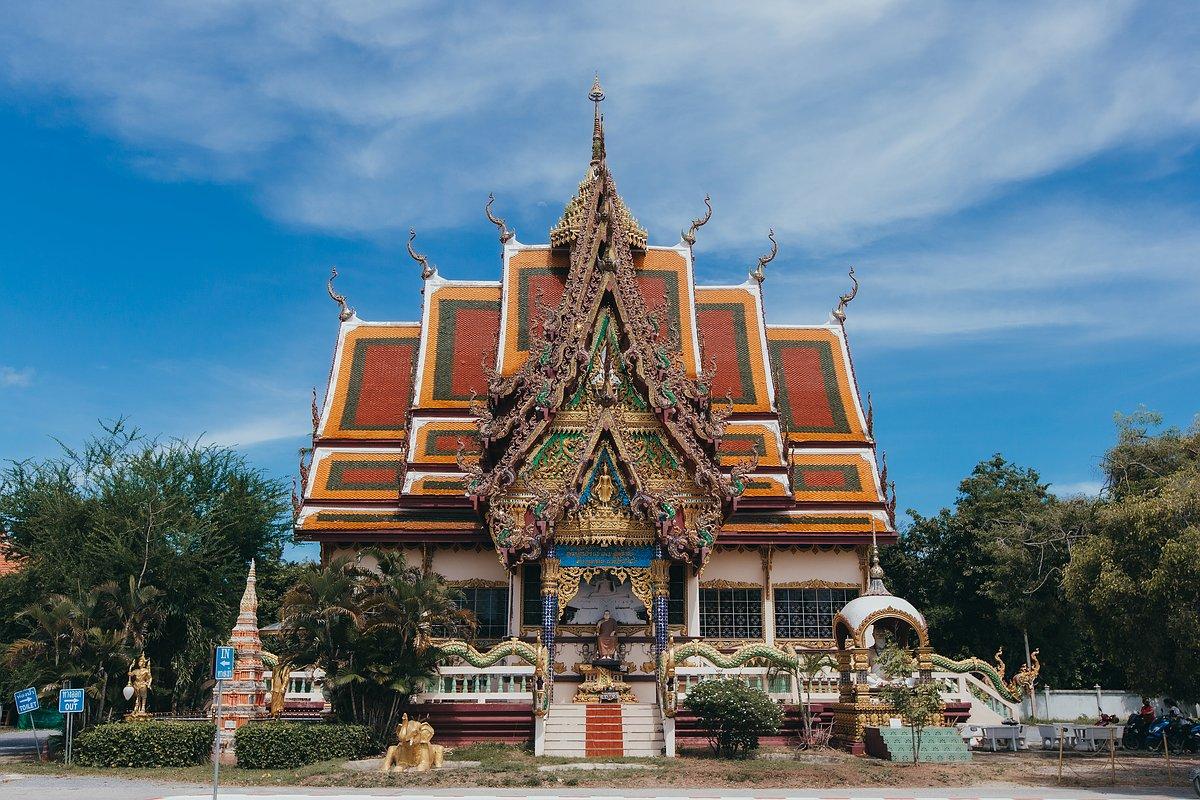 Der Wat Plai Leam auf Koh Samui im Morgenlicht