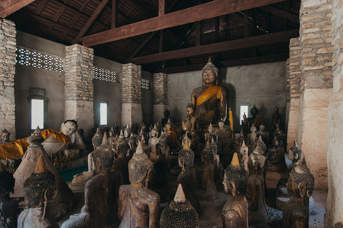 Buddha Statuen im Tempel Wat Samret auf Koh Samui
