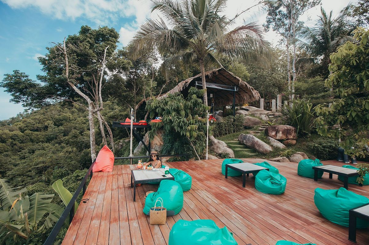 The Roof Samui - Das Restaurant in den Bergen von Koh Samui ist ein toller Aussichtspunkt